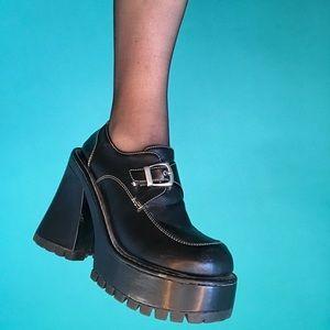 "90s ""Splash"" chunky platform heeled brogue loafers"